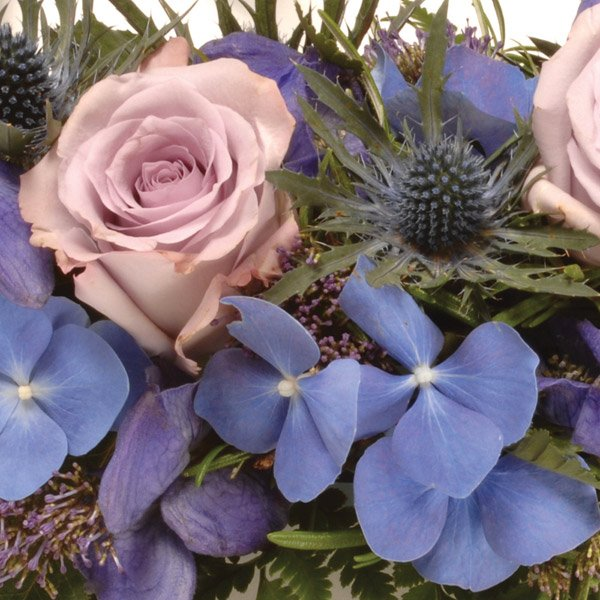 aa classic wreath lilac and blue