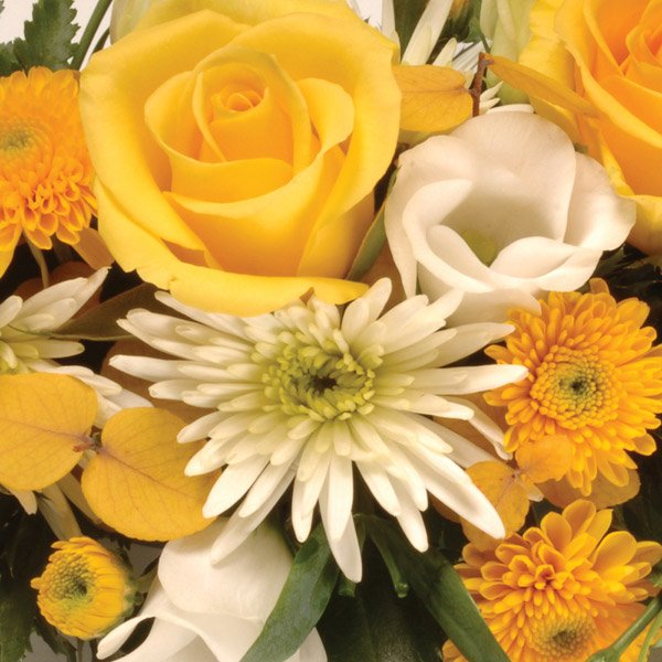 aa classic wreath yellow and white