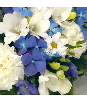 aa posy arrangement blue and white.
