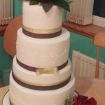 rose & thistles wedding cake