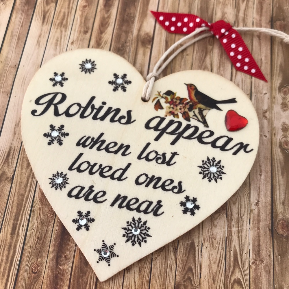 Robins appear memorial gift
