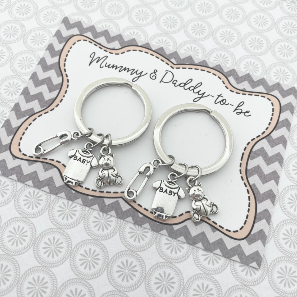 Duo Mum-To-Be & Dad-To-Be Keyrings
