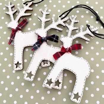 Personalised Wooden Reindeers - star