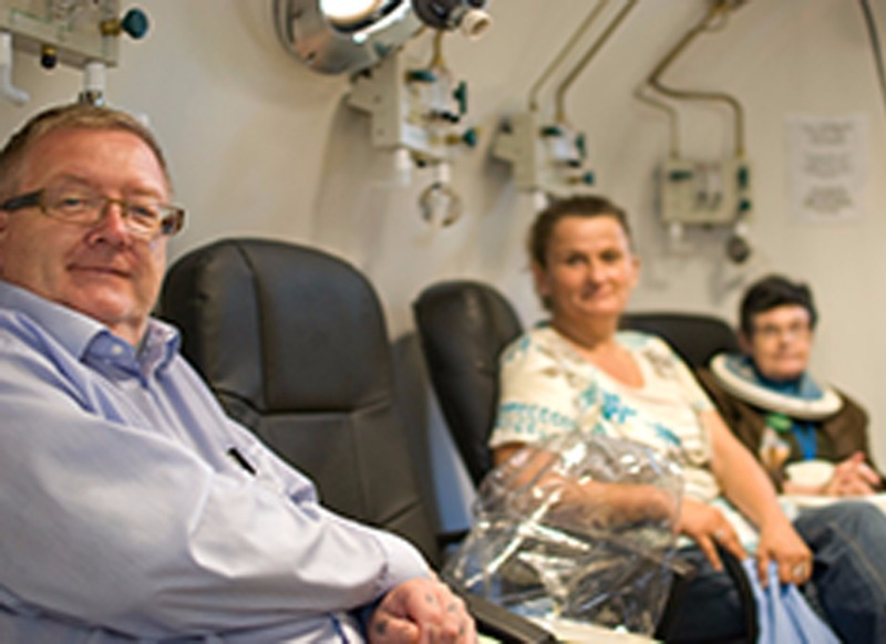 hyperbaric-oxygen-tank
