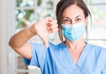 dental-nurse-thumbs-down