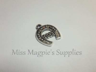 SILVER TONE - ' GOOD LUCK ' HORSE SHOE - PACK OF 5
