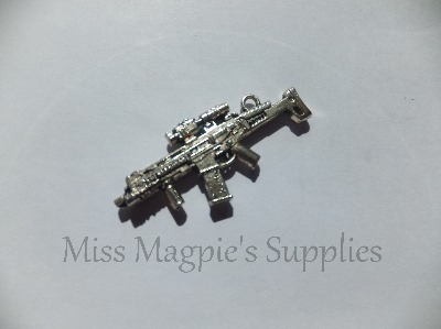 3D SILVER TONE - LARGE GUN - PACK OF 1