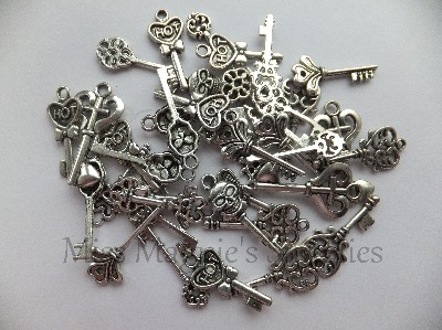 SILVER TONE - MIXED LOT OF  KEYS - PACK OF 5