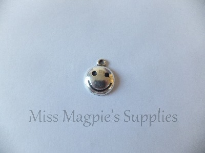 SILVER TONE - ROUND SMILEY FACE - PACK OF 5