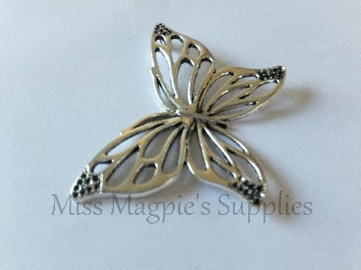 SILVER TONE - VERY LARGE BUTTERFLY - PACK OF 1