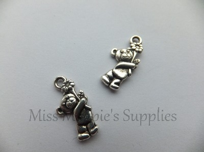 SILVER TONE - TEDDY HOLDING FLOWER - PACK OF 10