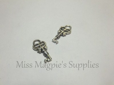 SILVER TONE - SMALL KEYS - PACK OF 10