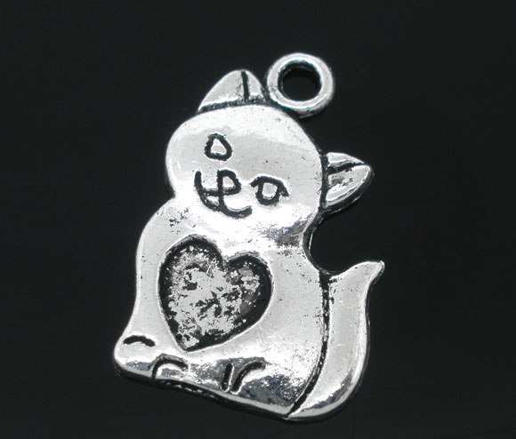 SILVER TONE - CAT WITH HEART ON TUMMY - PACK OF 5