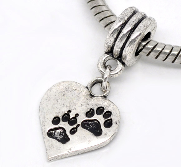 SILVER TONE - PAW PRINT HEART WITHOUT BAIL - PACK OF 1