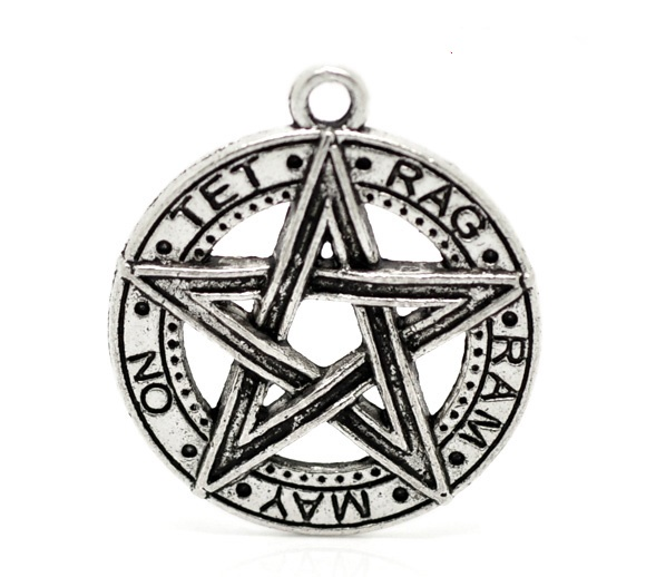 SILVER TONE - PENTAGRAM STAR WITH WORDS ON - PAGAN - HALLOWEEN - PACK OF 1