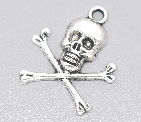 SILVER TONE - SKULL AND CROSS BONE - HALLOWEEN - PIRATE - PACK OF 5