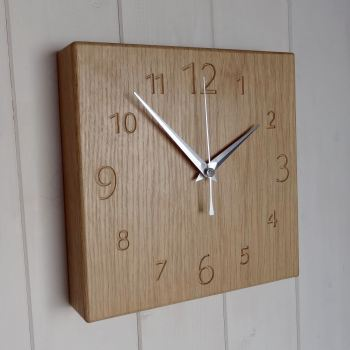 OAK Numbers Clock