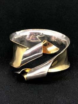 .Silver/Gold Ribbon Cuff