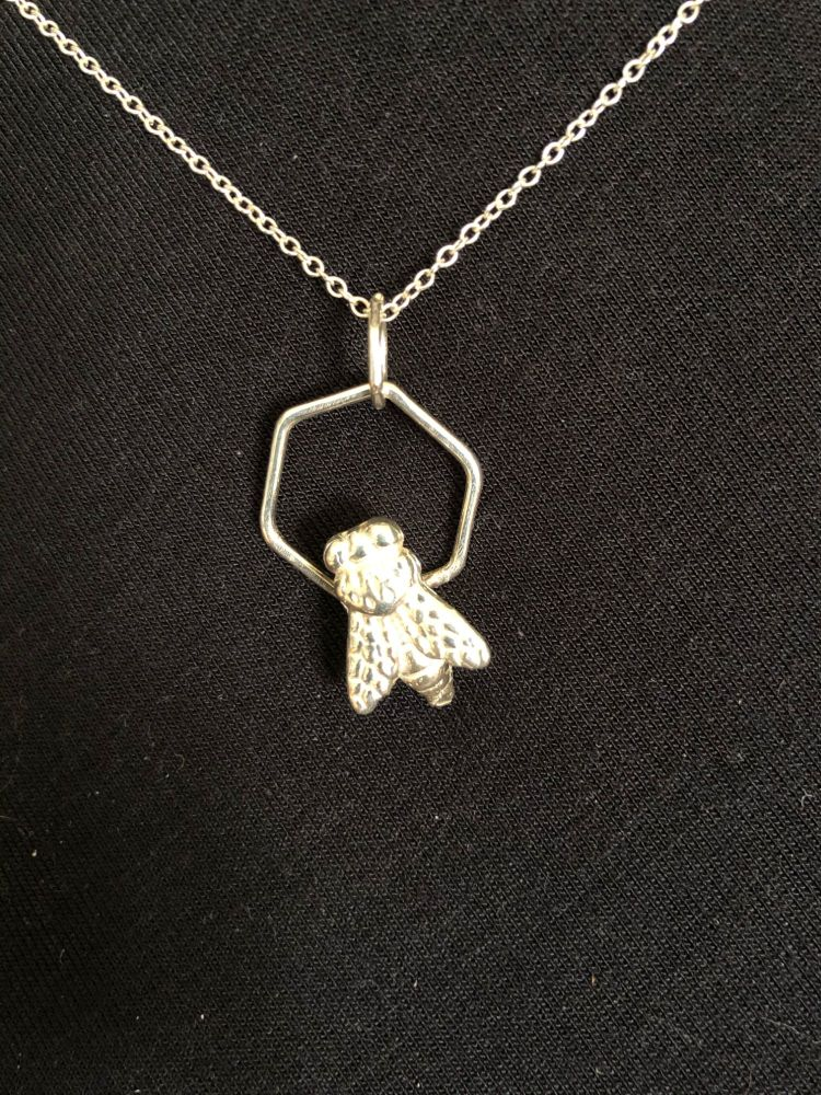 Buzz Back2Front Necklace