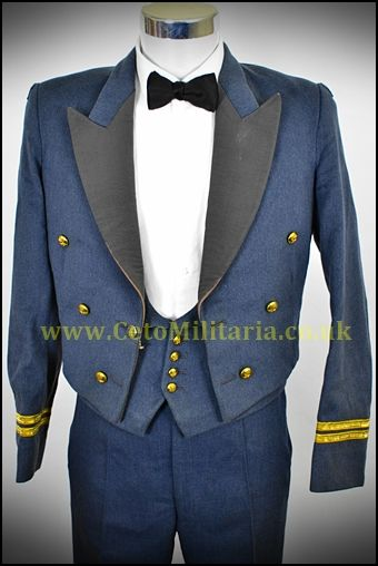 RAF No.5 Mess Uniform Flt Lt RAF Regt (39/40