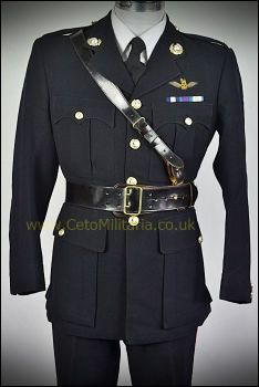 Royal Marine No1 Officer Pilot (36/37C 32W)