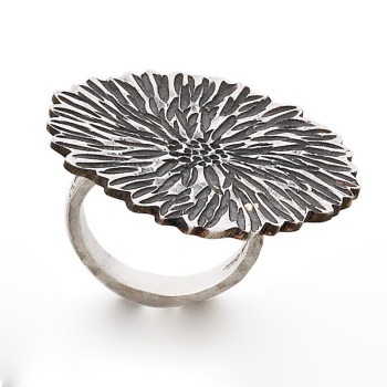 Big Dahlia Ring with oxidised finish