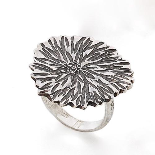 Dahlia ring