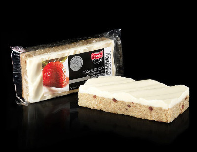 Case of 20 x Yoghurt top with Strawberry Flapjacks 120g