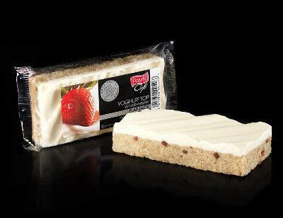 Case of 20 x Yoghurt top with Strawberry Flapjacks 120g
