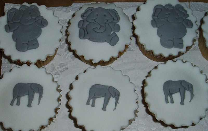 cc elephant cupcakes