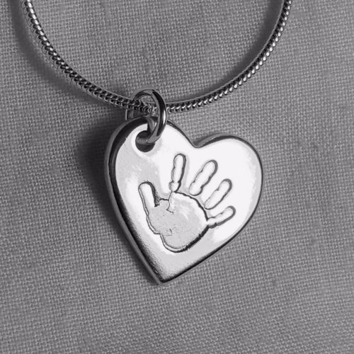 <!-- 002 -->Handprint necklace