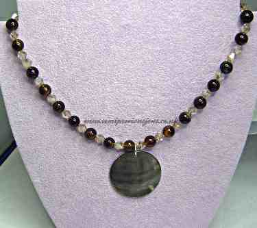 AG-CB-SL-N  Agate, Champagne Bicones with Shell Lip Pendant Necklace