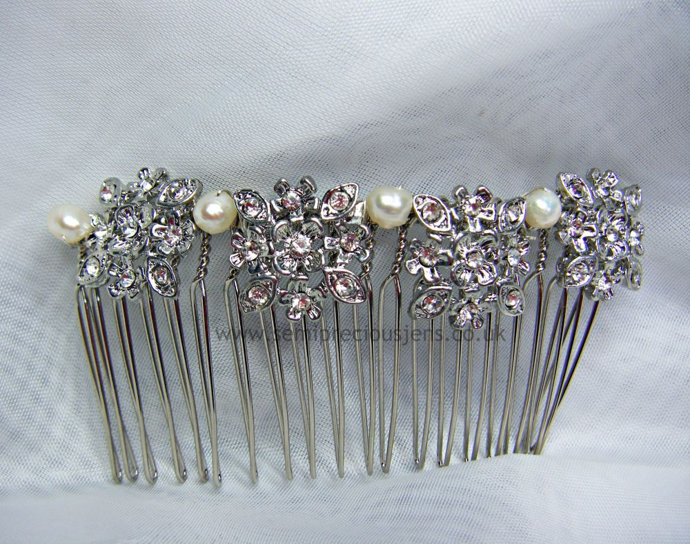 Diamante Flowers & Pearl Hair Comb