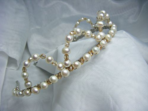 White Freshwater Pearl & Champagne Preciosa Bead