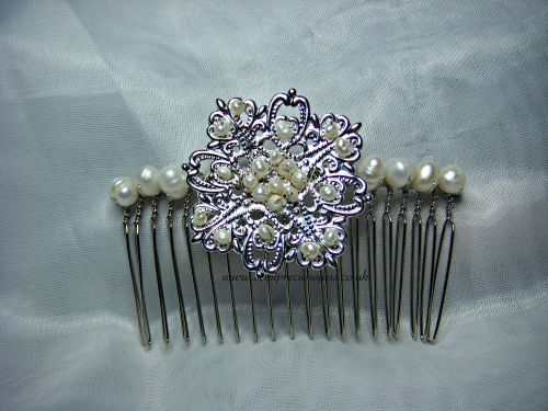 Fancy Flower & Pearl Hair Comb
