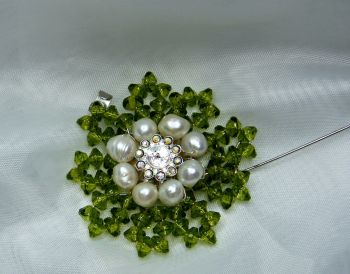 Freshwater Pearl & Diamante Flower Brooch