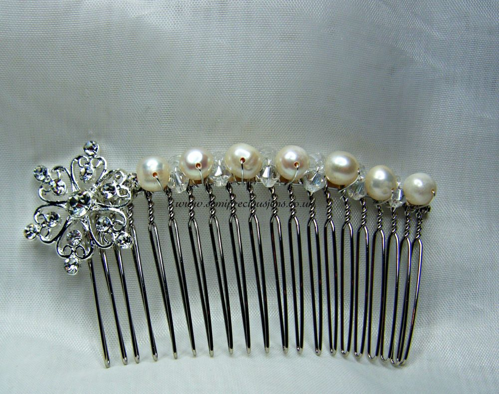 Diamante Heart Flower & Pearl Hair Comb