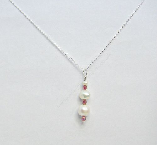 Freshwater Pearl Pendant on Sterling Silver Curb Chain