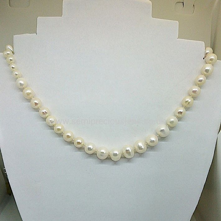 Graduated Freshwater Pearl Necklace