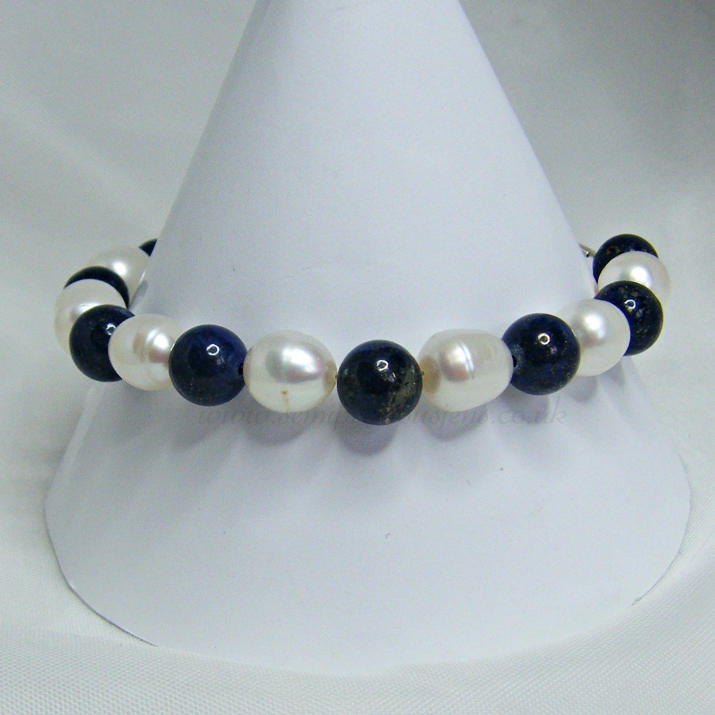 Lapis Lazuli and White Pearls Bracelet