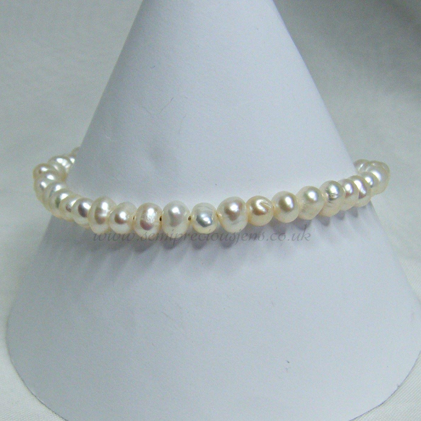 Grade A White Freshwater Pearl Bracelet