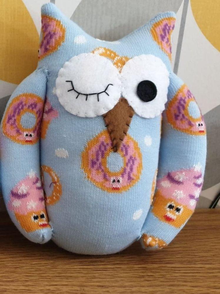 Blue Sock Owl Doughnut/Cupcake Design