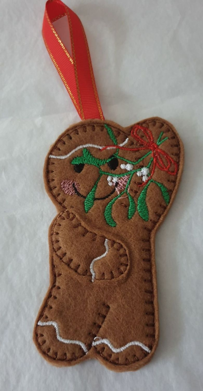 Christmas Mistletoe Gingerbread