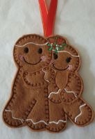 Christmas Mistletoe Couple Gingerbread