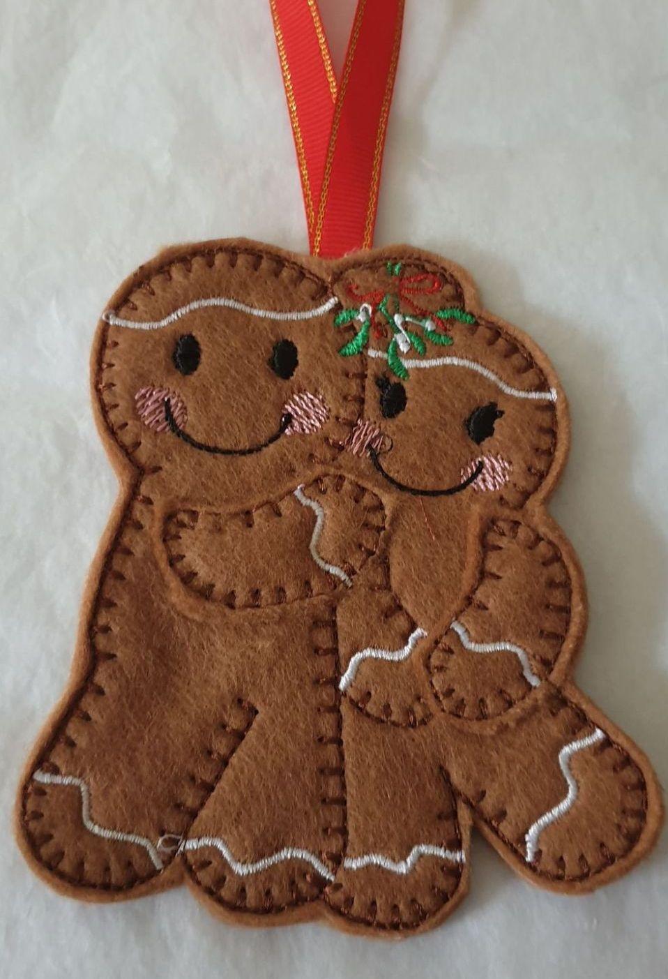 Christmas Mistletoe Couple Gingerbread