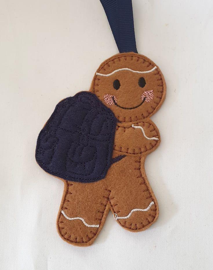 Backpack wearing Gingerbread