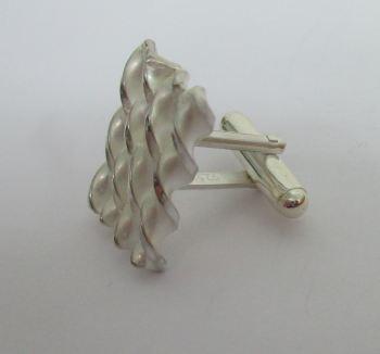cufflink 3