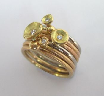 18ct red and yellow gold stacks