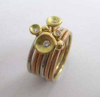 18ct red gold stacks