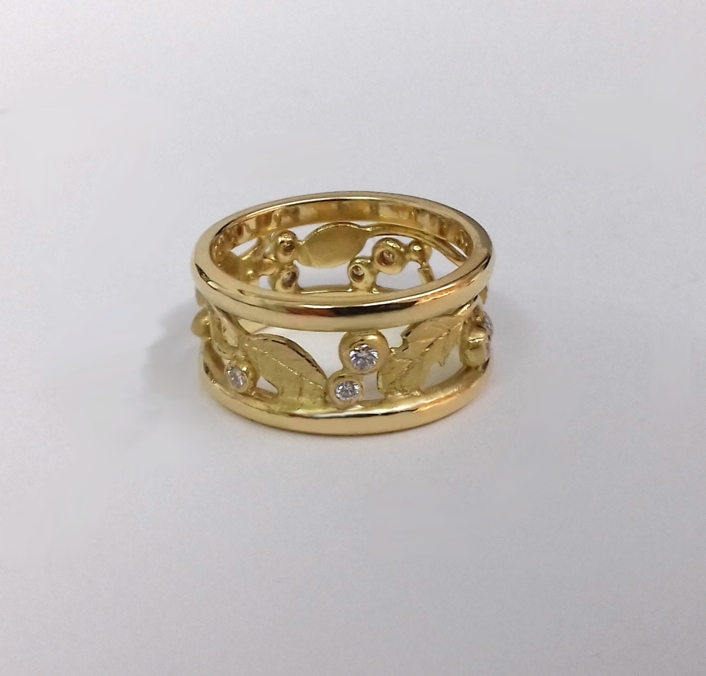 gold and diamond Roman influenced leaf ring